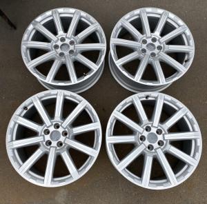 Original Wheels&Tires A4MO601025AE S S