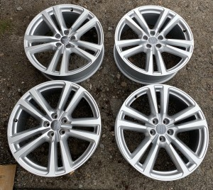 Original Wheels&Tires A4MO601025G S S
